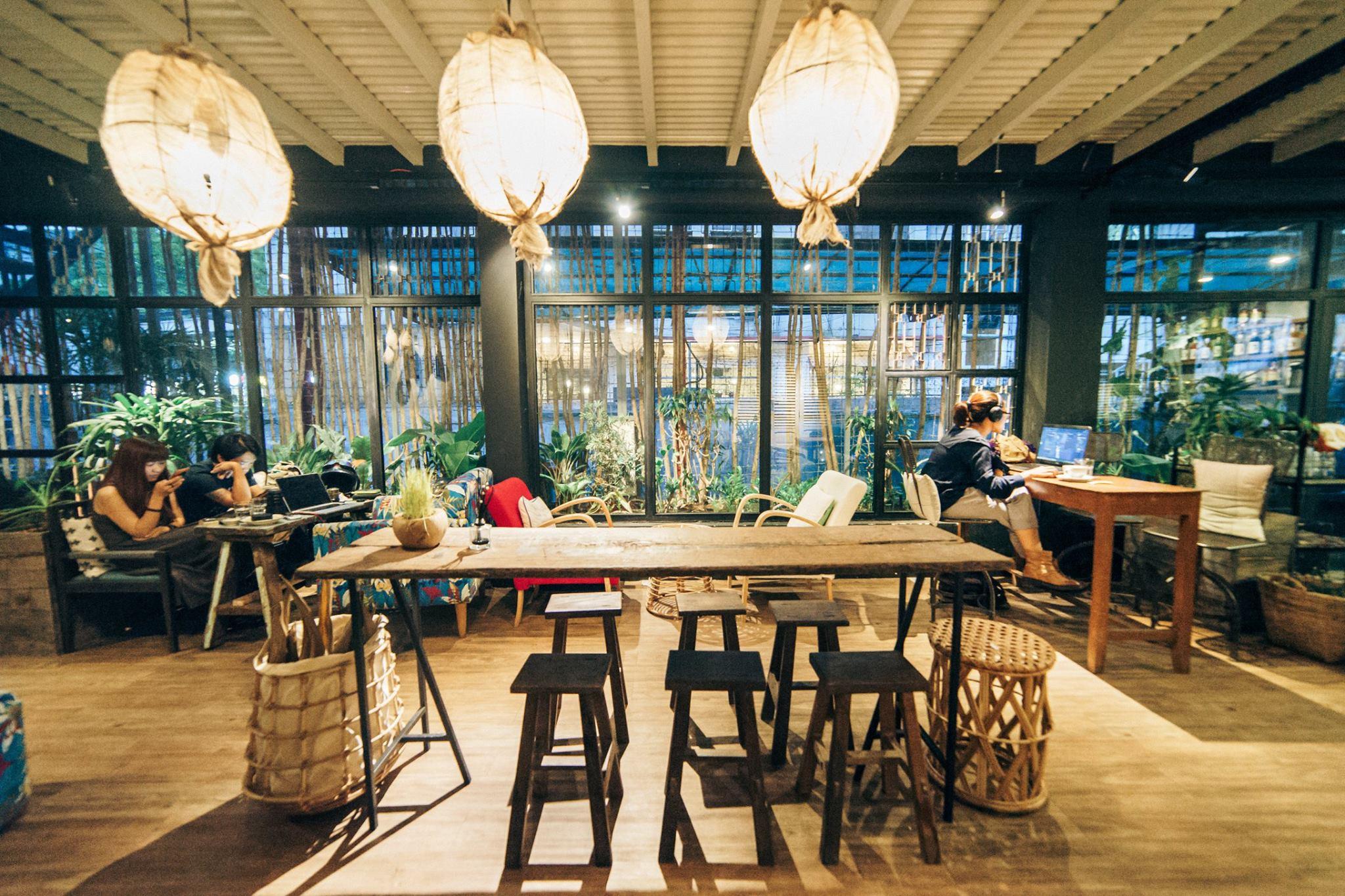 cách chọn bàn ghế dùng cho quán cafe