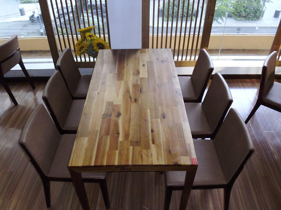 Bàn Ghế Gỗ: bàn ghế dùng cho quán cafe