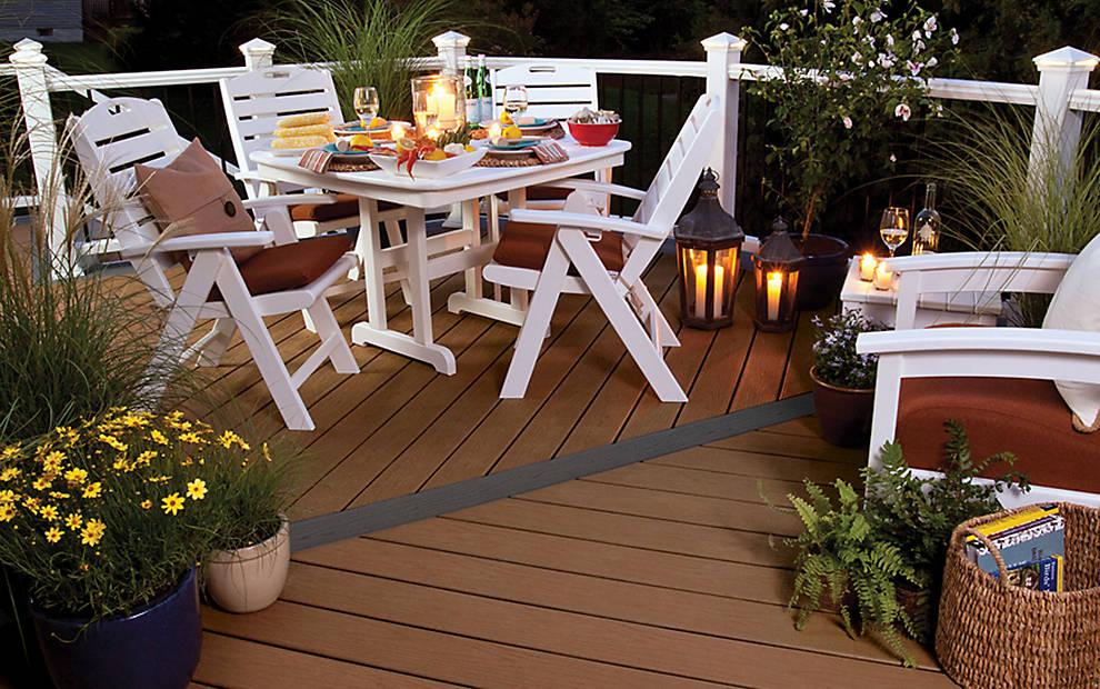 Bàn ghế ngoài trời nên tận dụng loại nào thì tốt nhất?