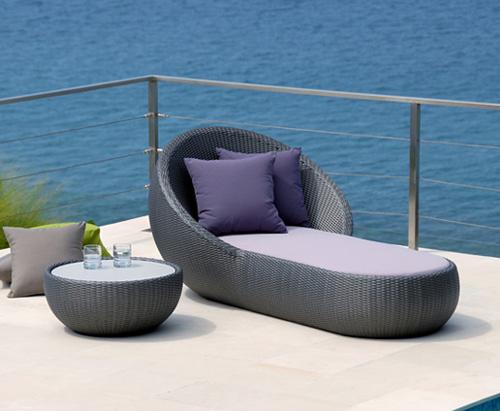Cách lựa chọn đồ dùng nội ngoại thất cho biệt thự biển