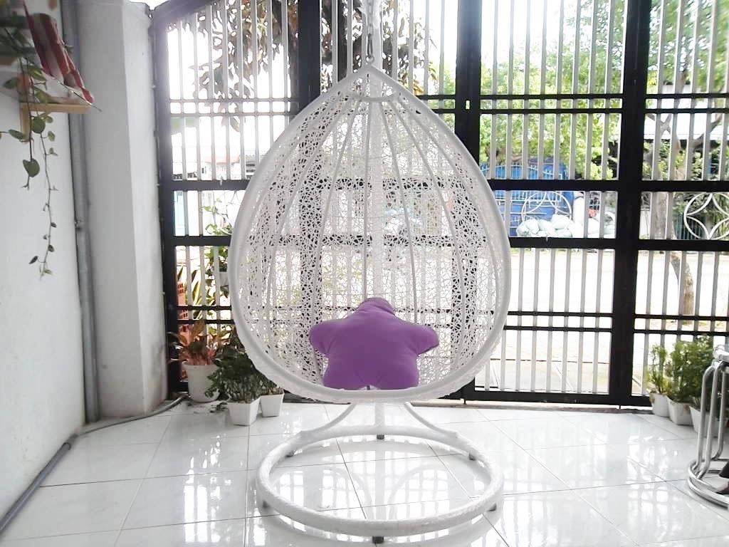 Chết mê với các chiếc ghế xích đu hình trứng